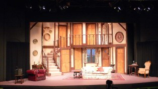 Noises Off Act 1